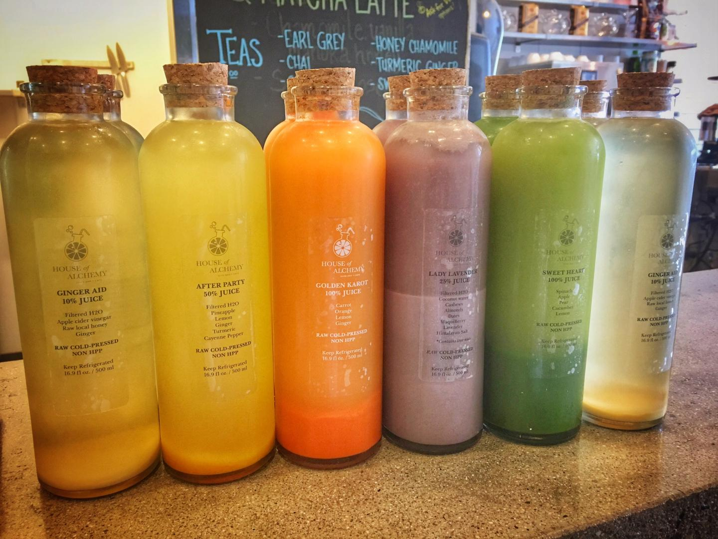 A look at a two week juice cleanse and what happens when you go on a juice cleanse. Juice cleanse by House of Alchemy Las Vegas.